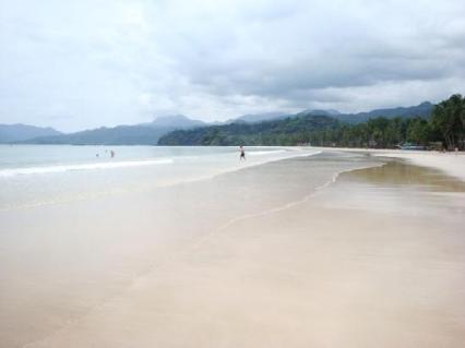 The white sand!